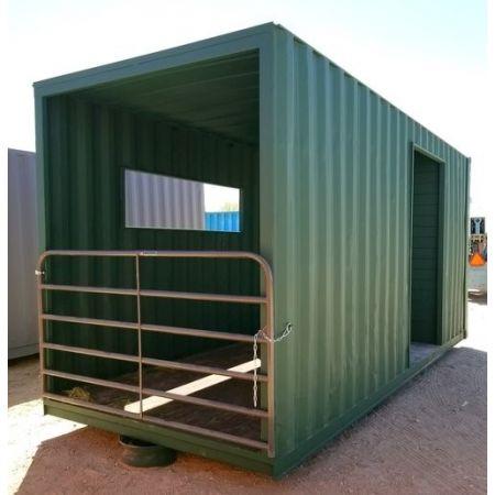 Box à chevaux container